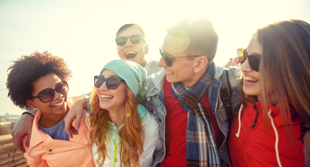 dbd88e38e2b287 Tips om dé perfecte zonnebril te kiezen! - Pearle Opticiens Blog